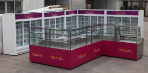 Customized Fresh-Keeping Commercial Cake Display Refrigerator with Ce pictures & photos