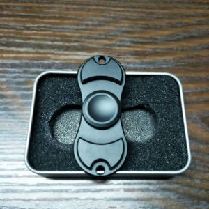 2017 Novelty Hand Fidget Bearing Toys Hand Spinner (FS017-02BLK) pictures & photos
