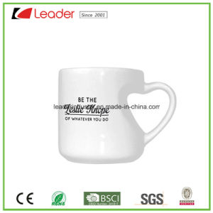 Customized White Ceramic Mug with Heart-Shaped Handle for Promotional Gift pictures & photos