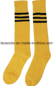 2017 Striped Classic Design Sport Over Knee Pure Cotton Soccer Socks pictures & photos