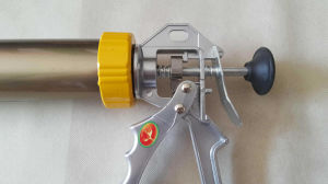 600 Ml Aluminium Caulking Guns for Export pictures & photos