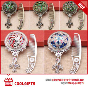 New Customized Metal Wedding Gift Small Hand Mirror with Comb pictures & photos