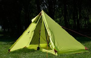 Camping Tent Double Layers Tent for 4 Season pictures & photos