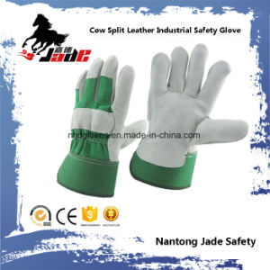 Green Industrial Safety Cow Split Leather Work Glove pictures & photos