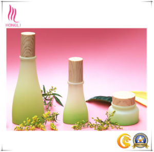 Beautiful Light Green Glass Package with Bamboo Lids pictures & photos