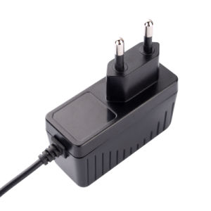 Wall-Mounted Switching DC 12V 1A Power Adapter with Us EU PSE UK Plug pictures & photos
