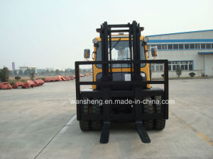 7 Ton Diesel Forklift Truck with Cab pictures & photos