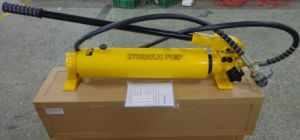 Hydraulic Hand Pump with Oil Capacity 2700cc pictures & photos