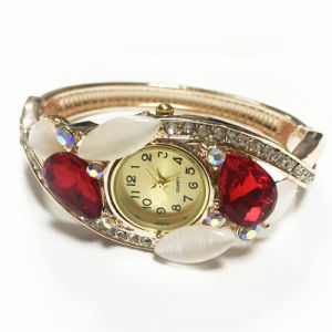 Lady Fashion Watch with Water Proof pictures & photos