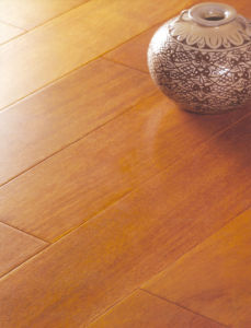 Mirror Surface HDF Laminate Flooring pictures & photos