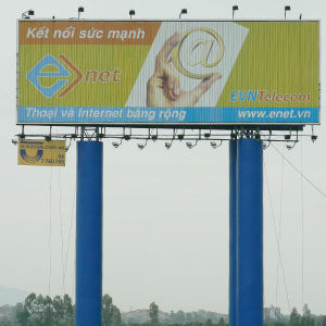 Poles Standing Triple Billboards (F3V-131) pictures & photos