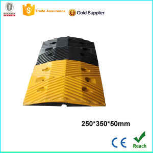 Top Quality Yellow and Black Rubber Speed Hump with CE pictures & photos