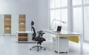 Modern High Gloss Office Desk (SZ-OD075) pictures & photos