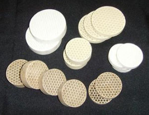 Honeycomb Ceramic Filter (Cordierite, Mullite, Alundum mullite) pictures & photos