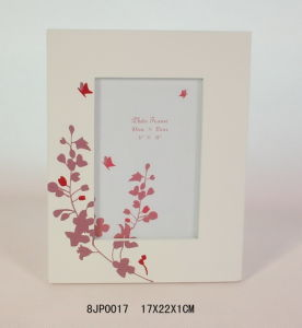 Hot MDF Wood Photo Frame (8JP0017) pictures & photos