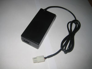 Wide Scope Input Switching Power Adapter with Ce GS UL Certificate