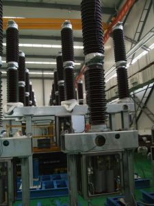 High Voltage Sf6 Circuit Breaker; Circuit Breaker for Transformer pictures & photos