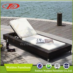 Outdoor Swimming Pool Chaise Lounge Set (DH-8023) pictures & photos