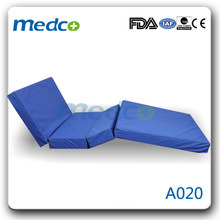 Four Section Waterproof Foam Medical Mattress pictures & photos