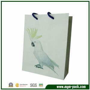 Hot Selling Promotional Paper Shopping Bag with Parrot Pattern pictures & photos
