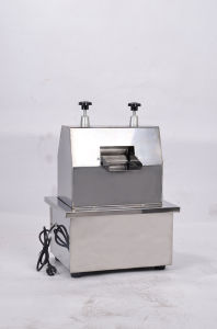 Food Sanitary Stainless Steel Table Type Sugar Cane Juicer pictures & photos