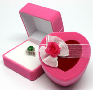 Pink Flocked Plastic Ring Gift Boxes with Ribbon pictures & photos