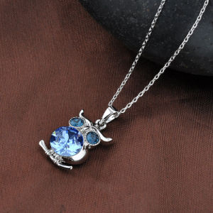 Fashion Animal Design White Gold Crystal Owl Pendant Necklace pictures & photos