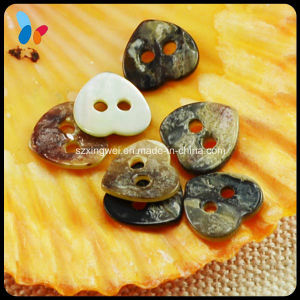 Heart Shape Two Holes Nature Akoya Pearl Shell Button pictures & photos