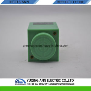 Lmf35 Angular Column Type Inductive Proximity Sensor Switch pictures & photos