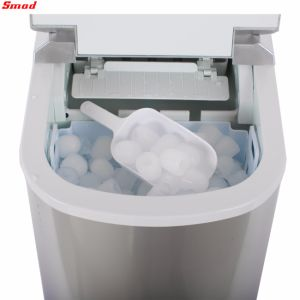 Mini Ice Maker Portable Ice Maker Hzb-12A pictures & photos