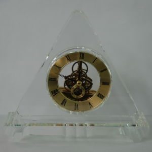 Triangle Gold Crystal Quartz Clock for Colleague Gifts pictures & photos