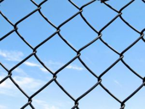 China Factory Used Chain Link Fence for Wholesale pictures & photos
