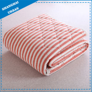Cotton Bedding Stripe Quilt Blanket pictures & photos