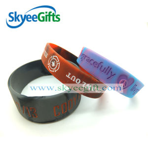 Logo OEM Swirled Debossed Silicone Wristband pictures & photos