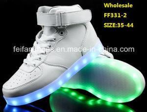 Latest Men Flash Light LED Shoes Luminous LED Shoes (FF331-2) pictures & photos