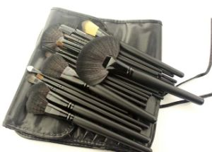 24 Pieces Portable Style Classic Black Handle Makeup Brush pictures & photos