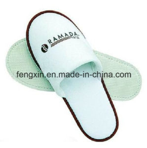 High Quality White Closed Toe Logo Printing Terry Towel Disposable Hotel Slipper pictures & photos