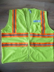 2015 New Type Safety Vest (pao 051) pictures & photos