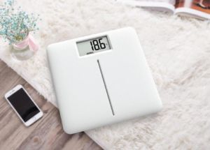 Slim Large LCD Display Electronic Weighing Scale with Full Plastic Base pictures & photos