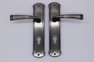 Aluminum Handle on Iron Plate 069 pictures & photos