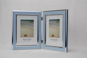 Plastic Double Open Photo Frame (BH-4) pictures & photos