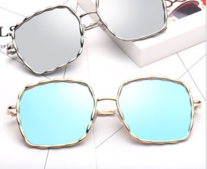 Metal Fashion Sunglasses with Painted Frames, UV 400 Lens, pictures & photos