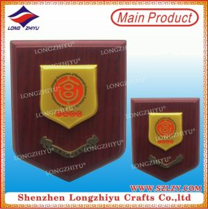 Commemorative Gold Plate Wood Shield Plaque for Sale pictures & photos