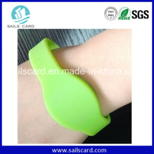 13.56MHz Silicone M1 RFID Wristband pictures & photos