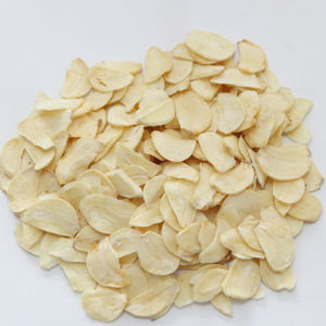 Dehydrated Garlic Flakes pictures & photos