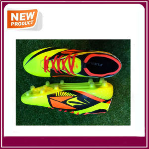 Three Colors Stock Soccer Shoes for Men (YH022) pictures & photos