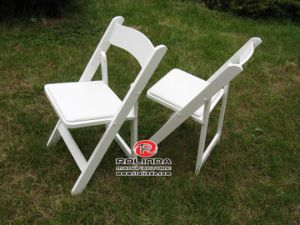 Factory Cheap Wood Chair Wedding Chair Folding Chair pictures & photos