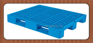 China 1300X1100X150mm High Quality Customized Plastic Pallet for Racking Manufacturer pictures & photos