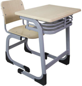 Moulded Board Desk and Chair Set for Classrom Furniture pictures & photos