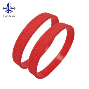 Advertising Silicone Bracelets Several Colors Bracelet with Printed Logo pictures & photos